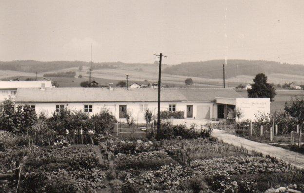 Das Firmengebäude in den frühen 50er Jahren, Mathias Schmidt GmbH in Triftern