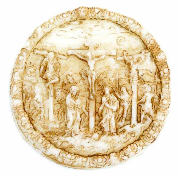 Medaillion mit Kreuzigung in runder Form aus patiniertem Wachs
