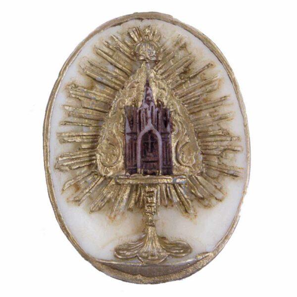 Medaillion mit Monstranz in ovaler Form aus Wachs