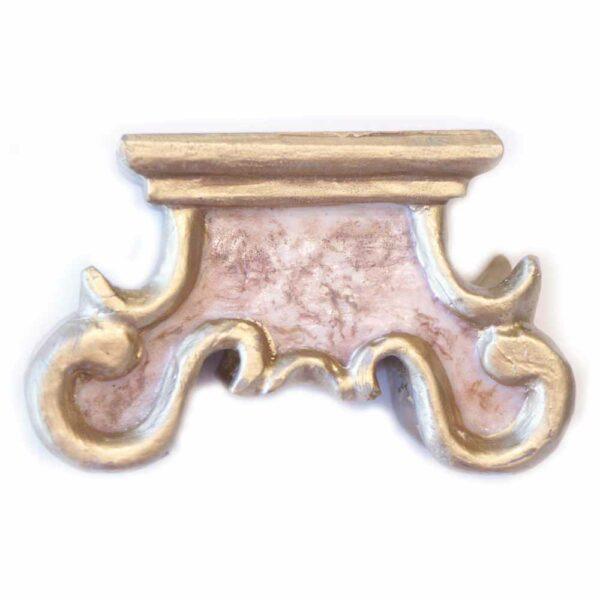 Barocksockel mit Marmorierung und Goldeinfassung aus Wachs