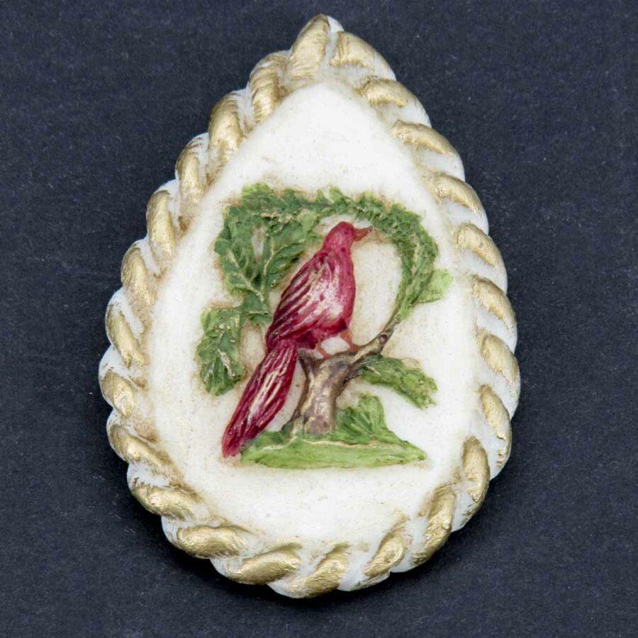 Medaillion in Tropfenform mit Vogelmotiv für Klosterarbeiten aus Wachs