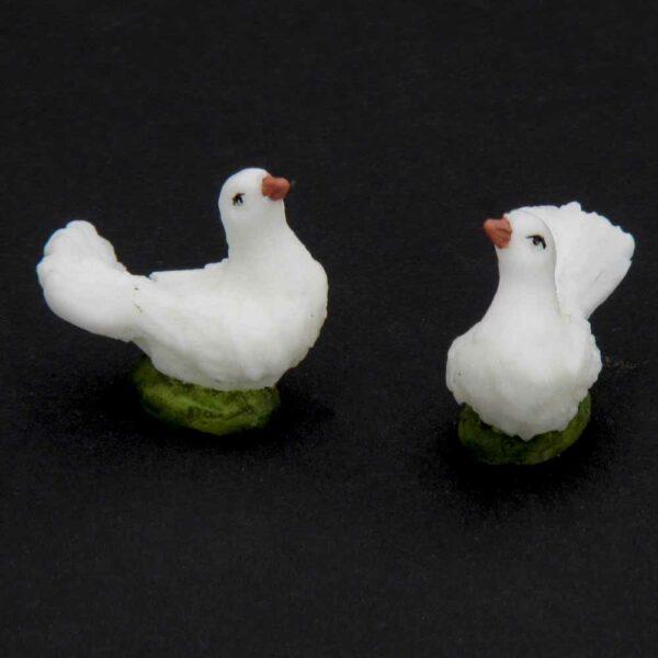 weiße Taube aus Wachs für Klosterarbeiten