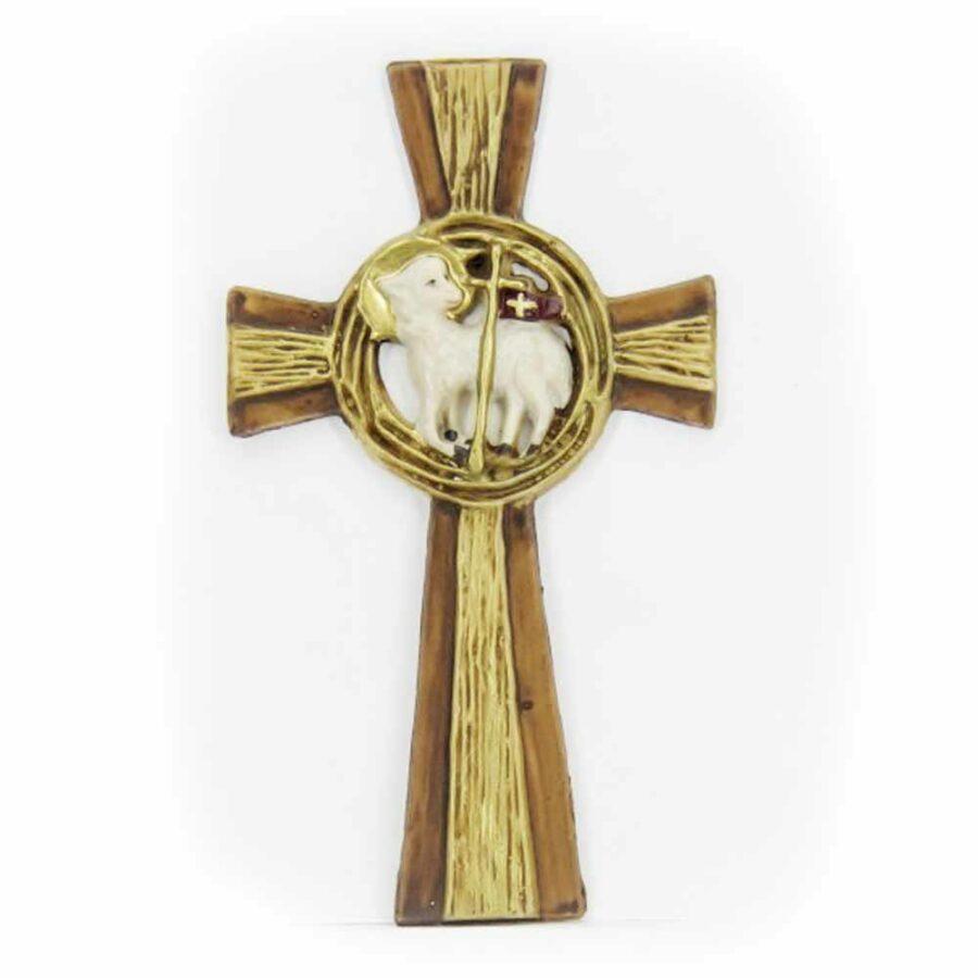 Kreuz mit Lamm aus Wachs für Klosterarbeiten