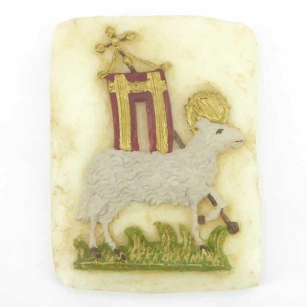 Medaillion mit Lamm und Fahne aus Wachs für Klosterarbeiten