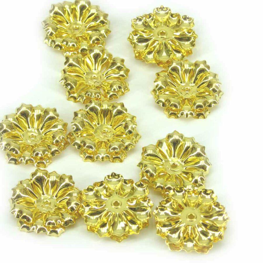 Perlkappen in einer 3-lagigen Blütenform für Klosterarbeiten